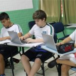 A Escola disponibiliza 40 Chromebooks para o projeto Google Educação que são utilizados pelos alunos em diversas aulas